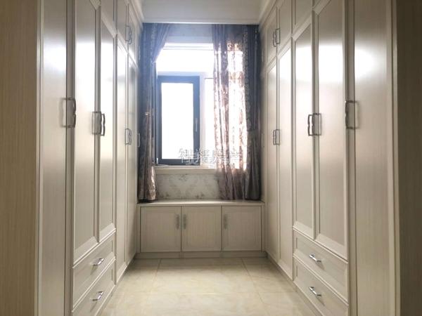 急售星河城南区电梯8楼 4室2厅 有房本可按揭
