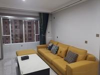 信合名都 电梯中层 95平米精装两室 年租2.5万 急租 价格可谈