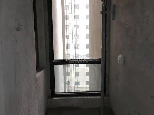 电梯房 长江源东湖湾 2室2厅 南北通透 68万 楼层好 采光好 学区房