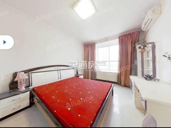 书香名邸 新运中旁 精装三室 房本满二 付款方式灵活