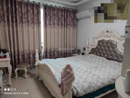 华源豪庭南区电梯3楼精装修不满二,121平米,带家具家电,售价92.8万 可按揭