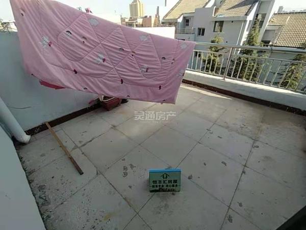 禹都花园紫薇园 这套房子是禹都花园最低的价格 带15平米楼台 首付10万