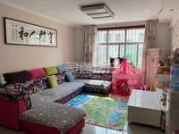 涑水苑超高性价比精装3居室,步梯3楼,全款33.8万,看房方便。