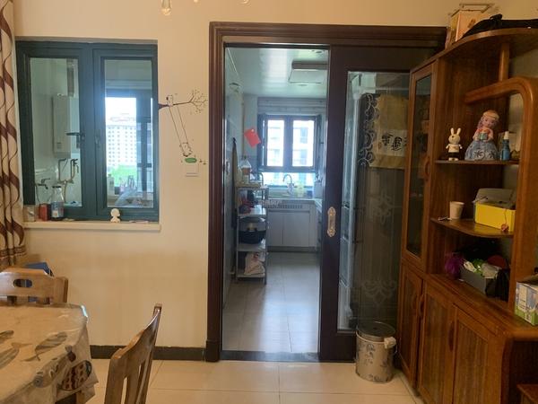 恒大绿洲 精装3室2厅2卫 大产权 满二可按揭
