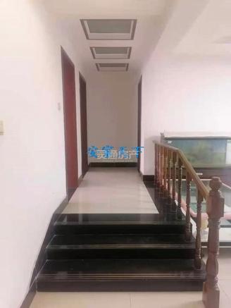 禹都花园,步梯2楼139平米79.8万,单价5700买精装修大产权。