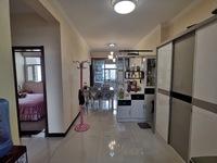 空港南区,东润公园壹号,114.07平米,三室两厅总价5万,送家具家电,看房方便