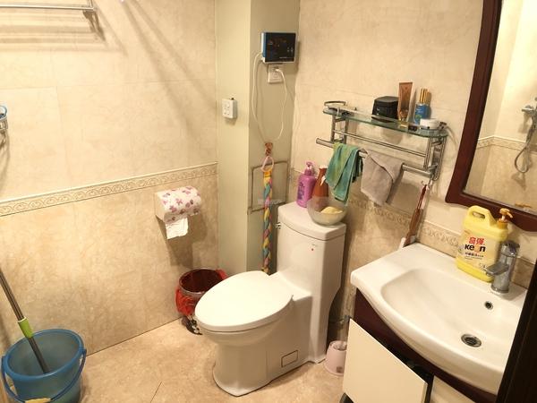 东上水漾小区 步梯中层 精装三居室 有本可按揭