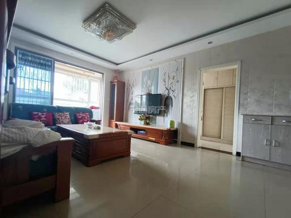 出售运汽家属院3室2厅2卫136平米75万住宅