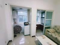 黄金水岸电梯中层小公寓出租年租1.7万