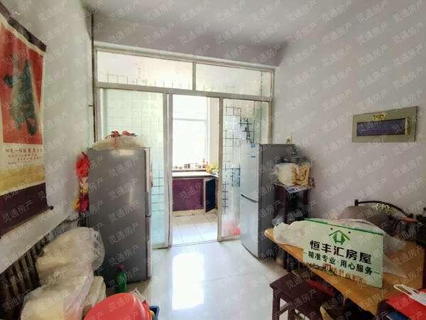 海天花苑 步梯一楼 简装俩室 适合老人居住 有本满二 可按揭