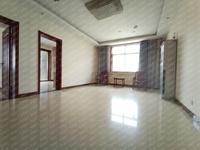 西湖小区特价房,步梯4楼,114平米,三室两厅一卫,精装仅售36.8万