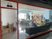 出租理想创业大厦10层130 办公室桌椅齐全