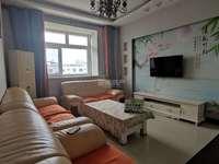 海天花苑 精装2居室,房本满二可按揭,首付13万可拎包入住