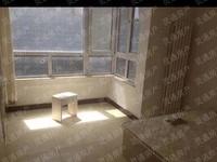 解放北路粮苑小区 步梯4楼,108平,三室两厅一卫,家具家电齐全,带地下室